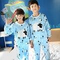 2016 Nueva Llegada de la Franela pijamas Set Bebé Chicas Chicos Calientes del Invierno Espesar Niños de Dibujos Animados Pijamas de Los Niños Pijamas ropa de Dormir