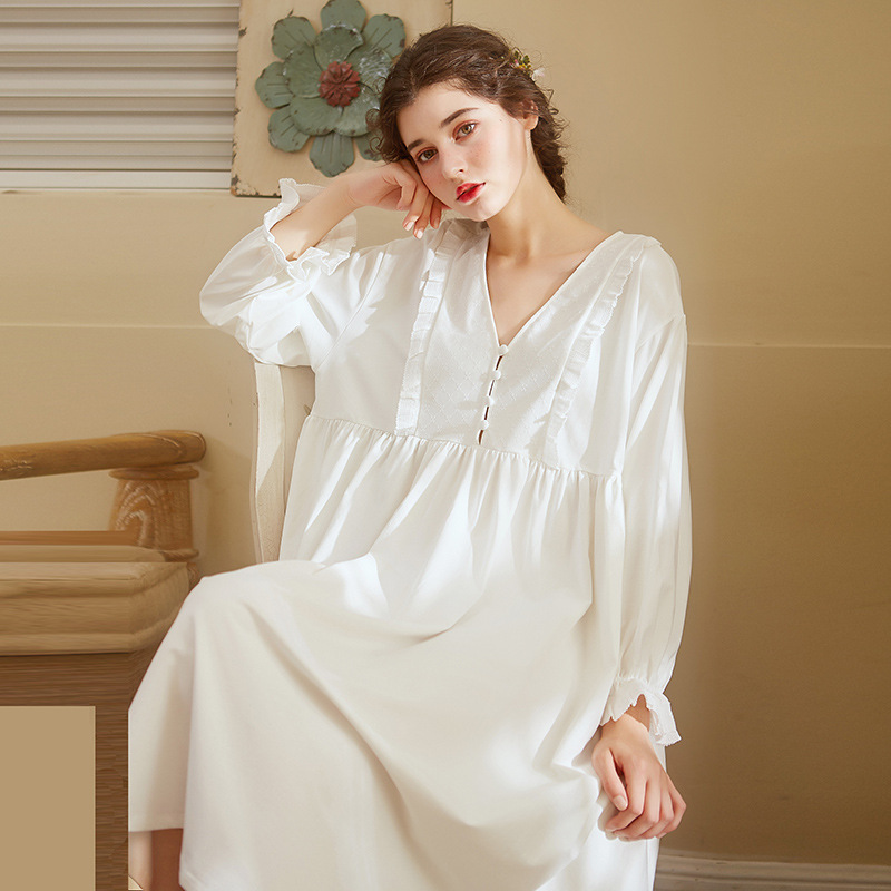 f0ac7a5efc White Long Sleeve Night Dress Sexy V-Neck Loose Sleep Dress Vintage Long  Nightgown Home