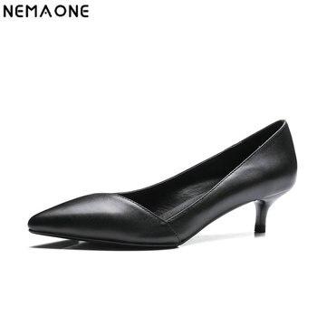 171e8249d NEMAONE Nova med Sapatos de Salto Mulheres Couro Genuíno Dedo Apontado  Bombas de Design Do vestido de Casamento Sapatos de mulher