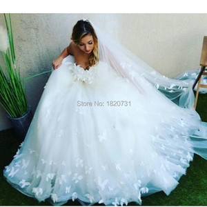 Image 1 - 2020 nova chegada tule vestido de baile vestido de casamento romântico querida fora do ombro borboleta padrão vestido