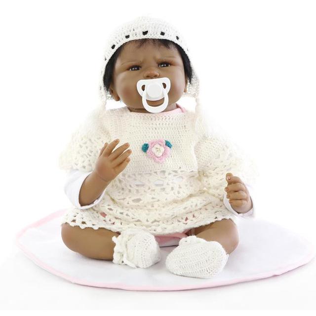 55 cm Preto Da Pele de Silicone Boneca Reborn Bonecas Realistas Brinquedos Infantis Presentes de Aniversário brinquedos Boneca Simulação Boneca Preta Nativa