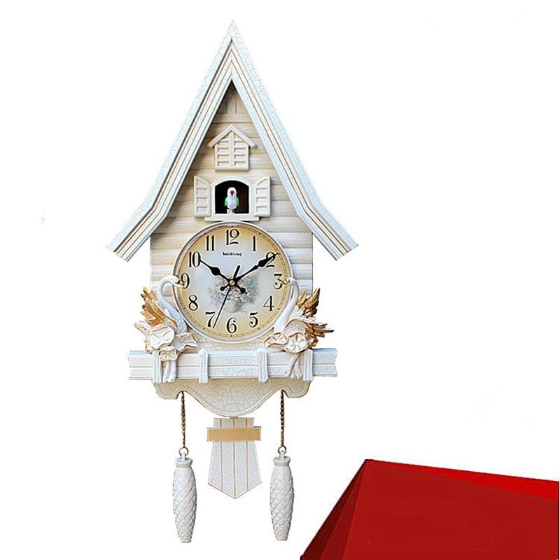 Horloge murale coucou créative moderne belle horloge de chambre d'enfants dans le salon chambre dessin animé horloge à Quartz silencieuse