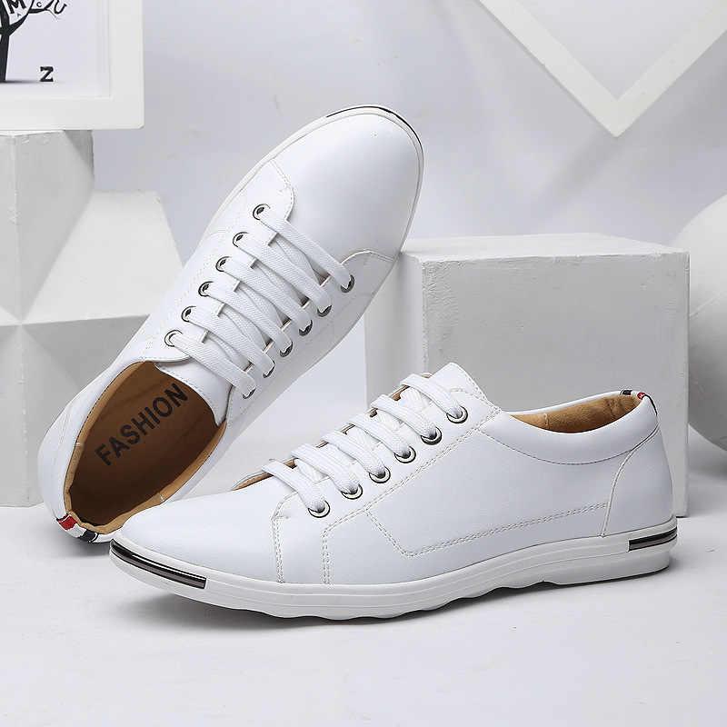 สไตล์คลาสสิกใหม่ผู้ชายสบายๆรองเท้าแฟชั่น Simple Designer รองเท้าผู้ชายพลัสขนาดสบายแฟลต