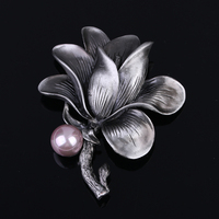 European And American High End Original Retro Pearl Brooch Brooch Flower Exaggerated Palace Scarf Buckle Accessories