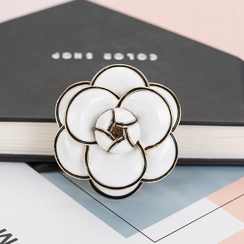 Refined Elegant Glazed Design Camellia Flower Brooches For Women Fashion Smiley Jewelry High Quality Alloy