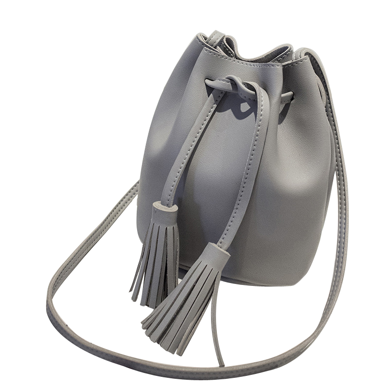 New style Tassel Shoulder Bags Girls PU Leather Retro Woman Crossbody Bags Solid Color Fashion Drawstring Female BagsNew style Tassel Shoulder Bags Girls PU Leather Retro Woman Crossbody Bags Solid Color Fashion Drawstring Female Bags