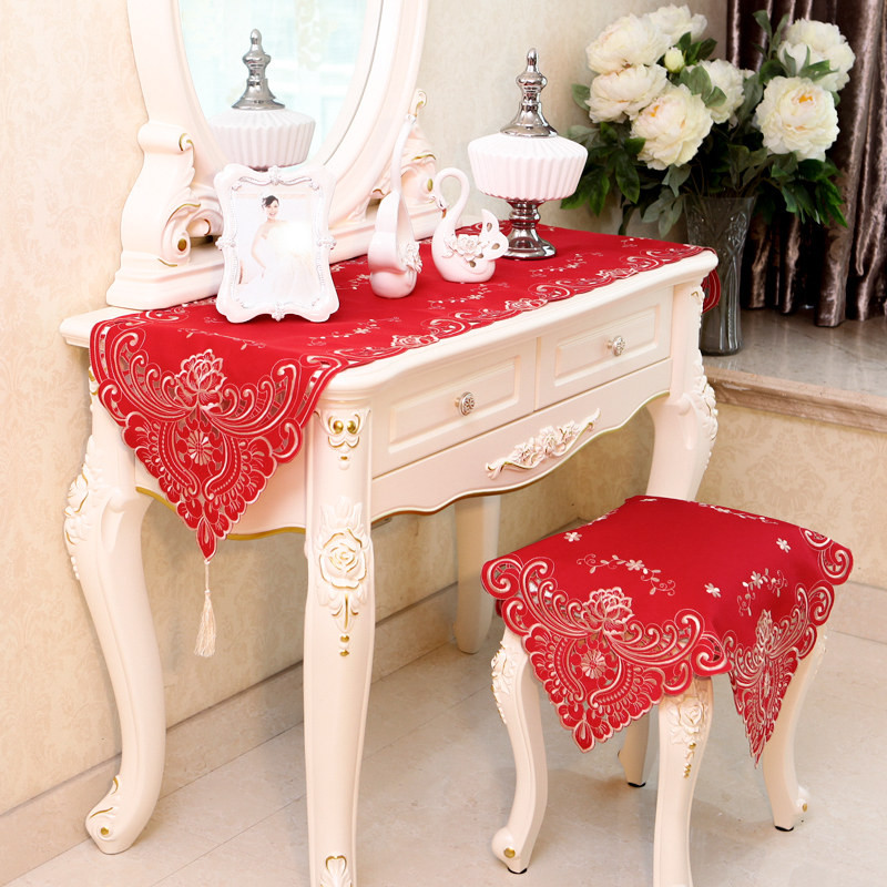 embroidered table runners modern hollow out table flag. Black Bedroom Furniture Sets. Home Design Ideas