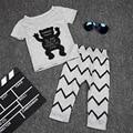 2017 Primavera verão moda roupa do bebê define conjuntos de roupas pequeno monstro T-shirt + calças terno 0-2 anos bebê menino/menina roupas