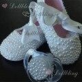 Accesorios de perlas zapatos de bebé y conjunto de perlas bebé chupete bautizo personalizado para el comprador princesa hecha a mano del recuerdo