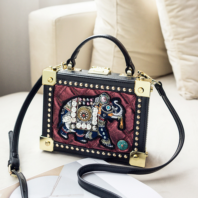 2018 new retro hand-embroidered small chest bag cartoon elephant handbag female shoulder Messenger bag rivet box package 2017 new national wind aslant handbag embroidered flowers small square bag rivet shoulder bag
