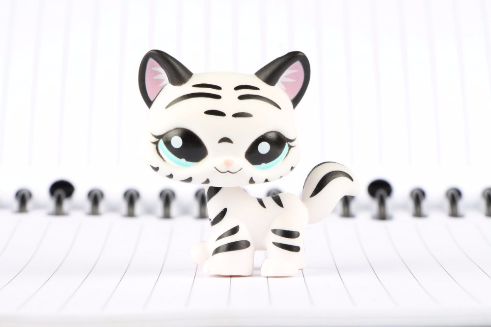 New Pet Collection Figure #1498 Black & White Striped Cat Kitty Child Loose Cute Toys lps pet shop toys rare black little cat blue eyes animal models patrulla canina action figures kids toys gift cat free shipping