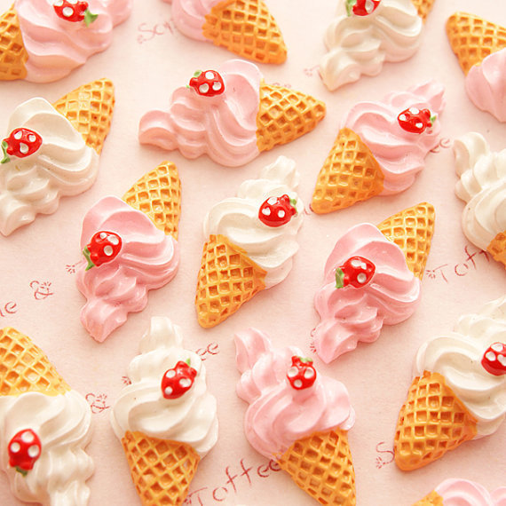 10pcs/lot Hot Sell Kawaii Flat Back Resin Butter Icecream With Strawberry Accessory 25*13mm For DIY Phone,note Book Decoration