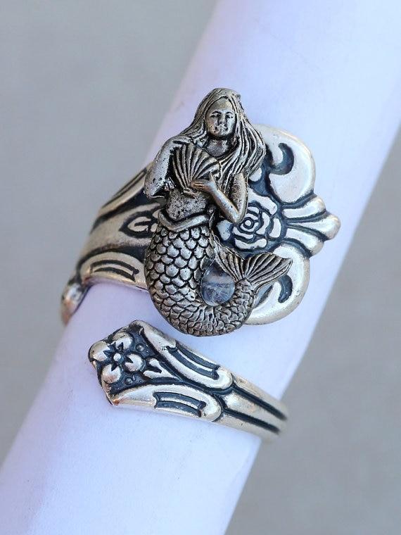 नवीनतम विंटेज मरमेड अंगूठी लपेटा हुआ प्राचीन चांदी मढ़वाया चम्मच अंगूठी महिलाओं के लिए गहने उपहार बॉक्स YLQ0327 के साथ ड्रॉप शिपिंग