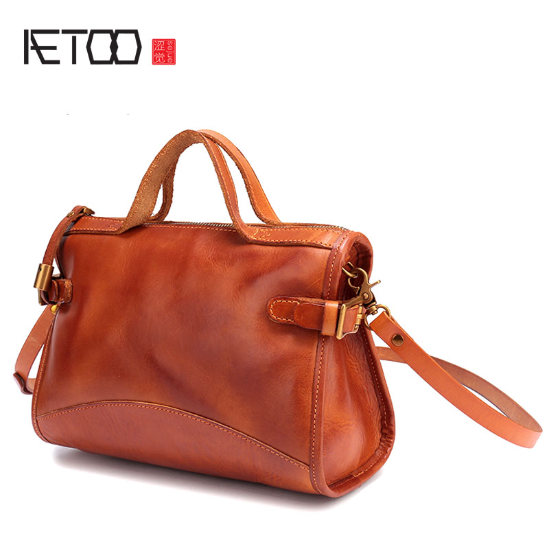 AETOO Japanese handmade vegetable tanned leather handbags female baotou leather small square package wild shoulder Messenger