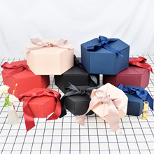 Hexagonal Gift Box With Hand Gift Covered Gift Box Customized Cosmetic Lipstick Packaging Box