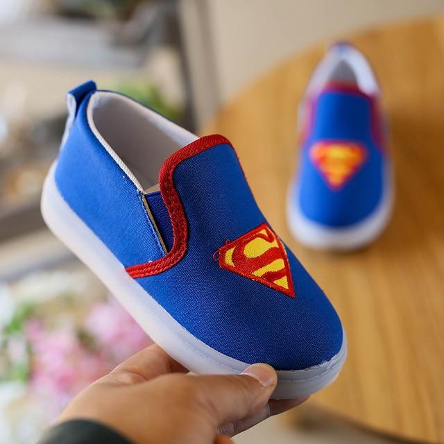 Zapatos fresco lona bebé recién nacido, luz led Batman infantil, niños primeros pasos, mocasines bebe niños.