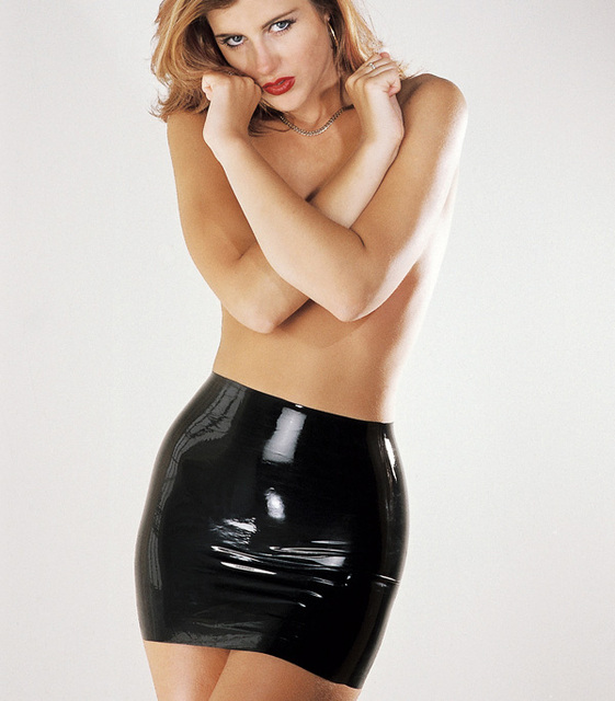 2016 Nueva moda mujeres sexy moldeado falda 100% faldas de caucho natural de látex venta caliente