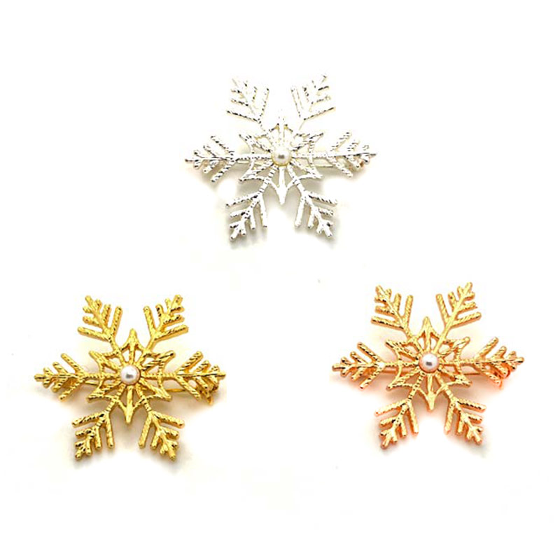 Fashion Trendy Christmas Sweater Brooches Silver Gold Rose Gold Color Plastic Imitation Pearl Snowflake Broches Jewelry