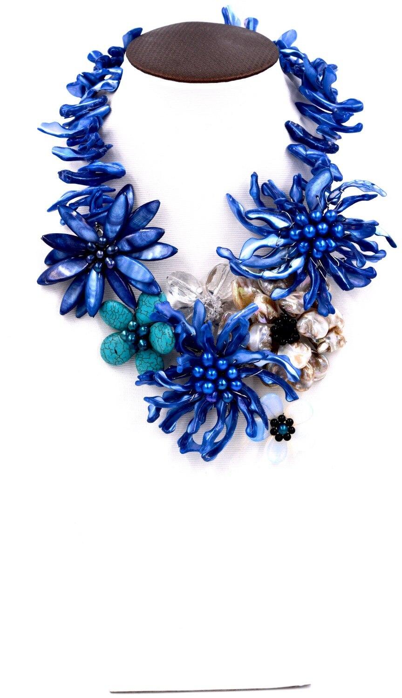 Blue sea pietra sfaccettato perle dacqua dolce della collana del fiore grande moda borsette 19 polliceBlue sea pietra sfaccettato perle dacqua dolce della collana del fiore grande moda borsette 19 pollice