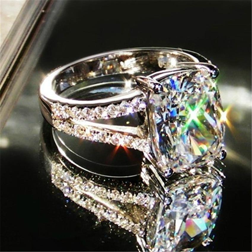 3.85CT 18พันสีขาวทองรูปร่างเบาะขายส่งแหวนหมั้นสำหรับผู้หญิงนะเพชรน่ารักแหวนสำหรับวันครบรอบของขวัญคริสต์มาส-ใน ห่วง จาก อัญมณีและเครื่องประดับ บน   1