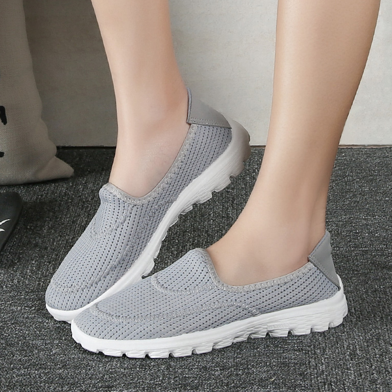 093514649d4 Estilo de verano de Las Mujeres Zapatillas de deporte de Malla Transpirable  Zapatos Para Caminar Plana Con Zapatos Sin Cordones Para Mujer XYP417 en  Zapatos ...
