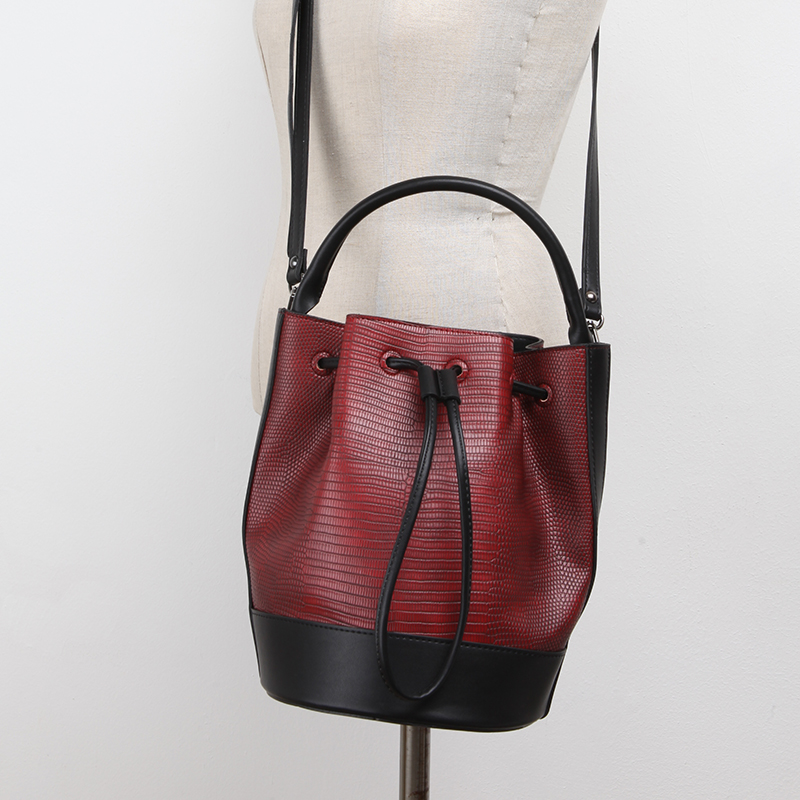Famous Women Retro Serpentine font b Handbags b font Brand Ladies PU Leather Shoulder Tote Bags