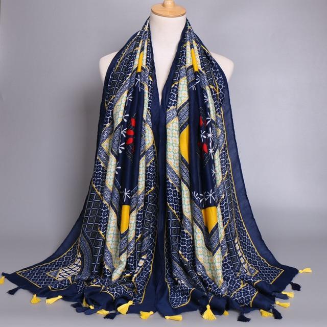 NOUVEAU design glands écharpe femmes géométrique conception populaire  châles automne coton foulard marine couleur foulards  cee82ea433b