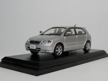 Otomatik Inn   NOREV 1:43 Toyota Corolla Runx 2001 pres döküm model araba
