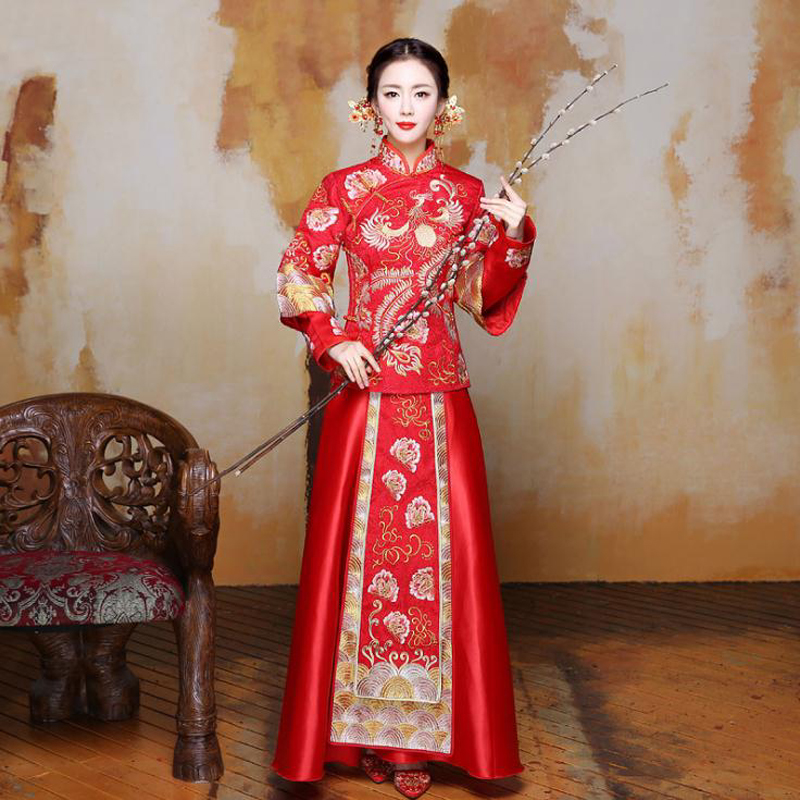 Chine robe traditionnelle de mariage Qipao rouge à manches longues Cheongsam broderie mariée Style chinois robe en gros et livraison gratuite
