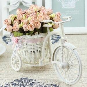 Image 3 - Rotan Fiets Vaas Met Zijden Bloemen Kleurrijke Mini Roos Bloem Boeket Daisy Kunstmatige Flores Voor Thuis Bruiloft Decoratie