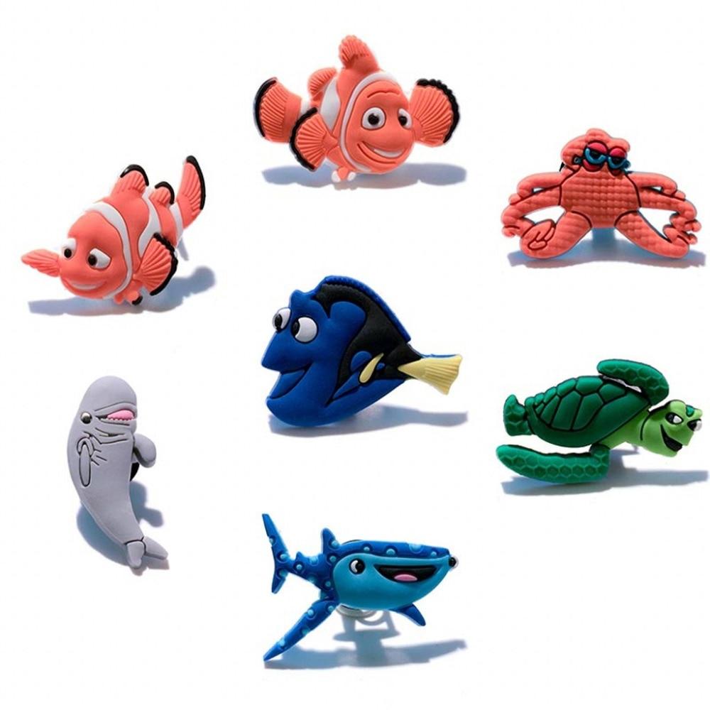 Novelty 7pcs Hot Cartoon PVC Shoe Charm Shoe Buckles Accessories Fit Bands Bracelets Croc JIBZ Kids Party Favors/Gifts