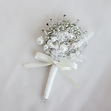 Iffo European and American style high-end custom bridal jewelry hand holding flowers groom jewelry corsage Wedding DIY style