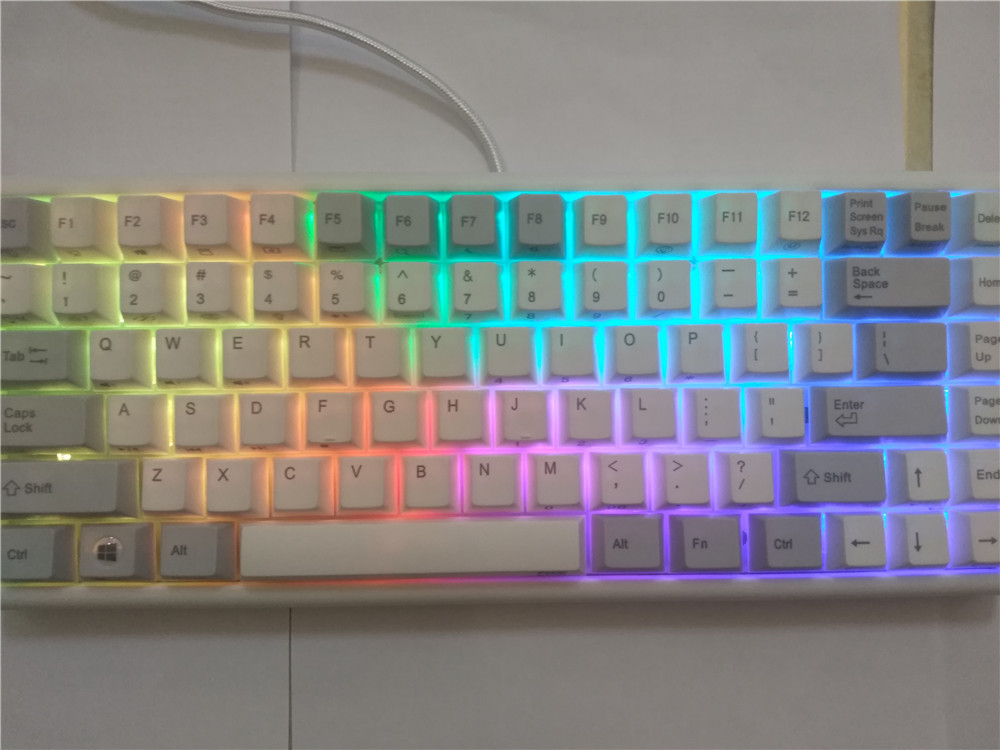 Plum84 electrostatic capacitive mechanical keyboard 35g  RGB backlit compact gaming keyboard PBT keycap detachable 84 mini plum