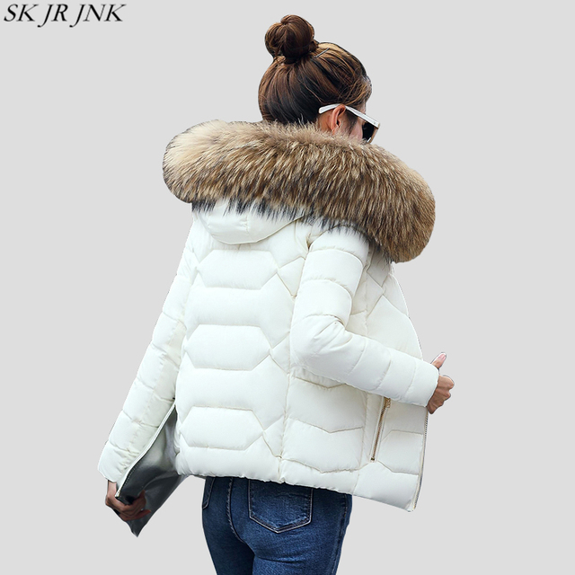 暖かい毛皮の襟フード付き厚みのショートパーカー2017スリムフィットファッション女性パッド入りジャケット冬カジュアルプラスサイズキルトコートWFY165