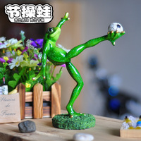 1 PCS New Arrival Yoga Frog Football Shoot Pose Glossy Colored Drawing Small Resin Decoration