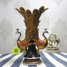 High-grade wedding gift European classical peacock vase ornaments resin handicraft decoration Home Furnishing lovers
