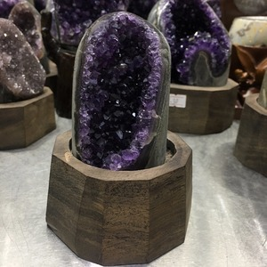 Image 3 - 640g Natural Uruguay Purple Amethyst Hole Quartz Crystal+stand