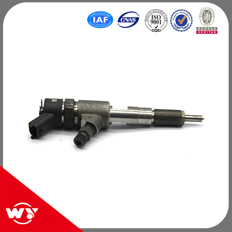 Most popular common rail system spare parts 0445 110 710 injector for fuel injection
