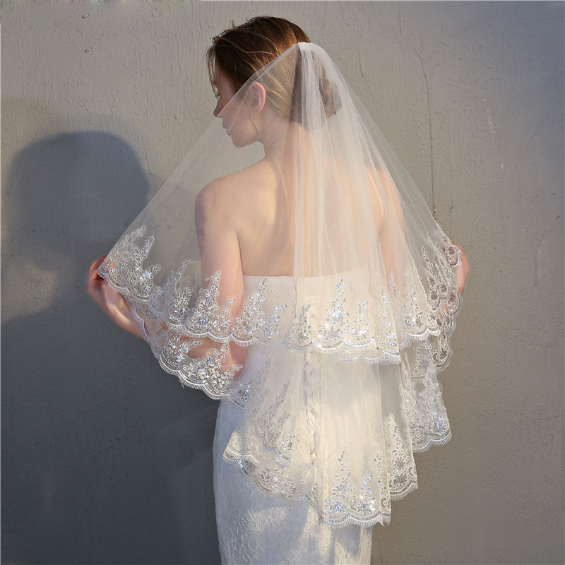 Women Lace Edge Short Wedding Veil With Comb Two Layers Lace Appliqued Bridal Veil Short Wedding Accessories 2019