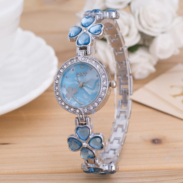 Exquisite New Fashion Women's Bracelet Watch Minimalism Rhinestone Golden Stainl