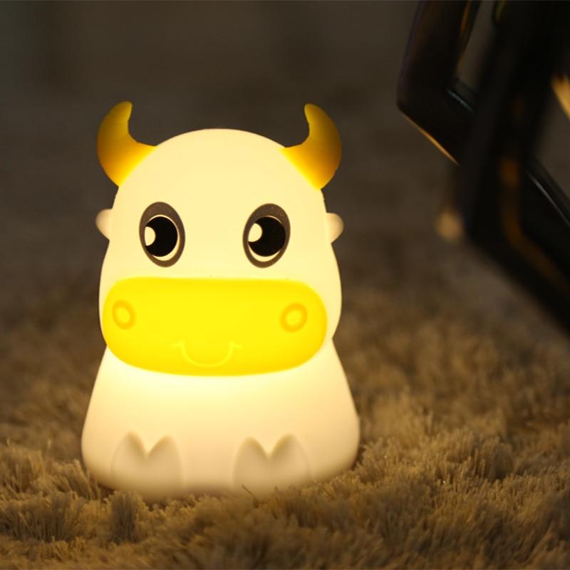 Veilleuse en silicone de vache terne colorée transfrontalière Rechargeable pat light lampe de chevet de chambre à coucher de rêve chaud