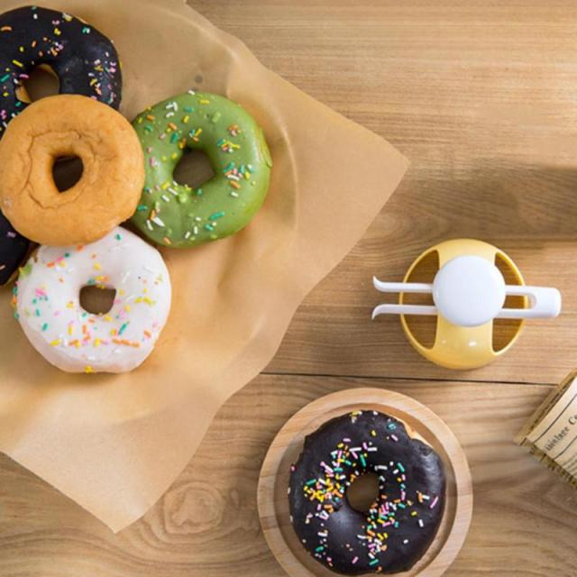Baking Plastic Donut Maker