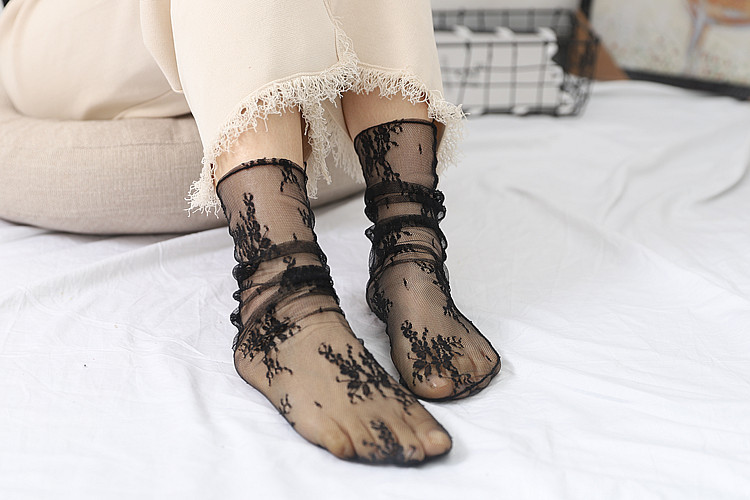 HTB1x5W0TgDqK1RjSZSyq6yxEVXac - Sexy Tulle Socks Transparent Thin Long Lace Socks For Women Girl Summer Funny Socks Female Dress Hosiery Loose Sock Street
