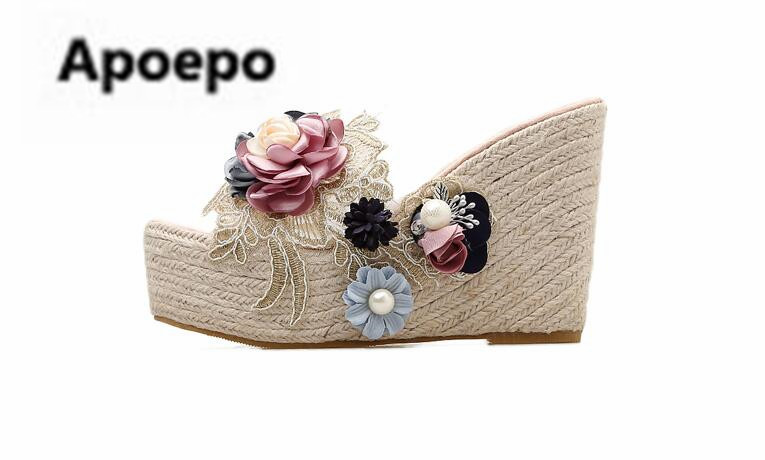 Здесь продается  Apoepo brand gladiator slippers women flower lace decor wedges sandals summer Grass weaving Bohemia high heels slippers slides  Обувь
