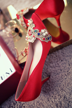 Exquisite Colorful Rhinestone China Style Red Wedding Shoes Women High Heel Pumps High Quality Silk Embroidery Bride Shoes