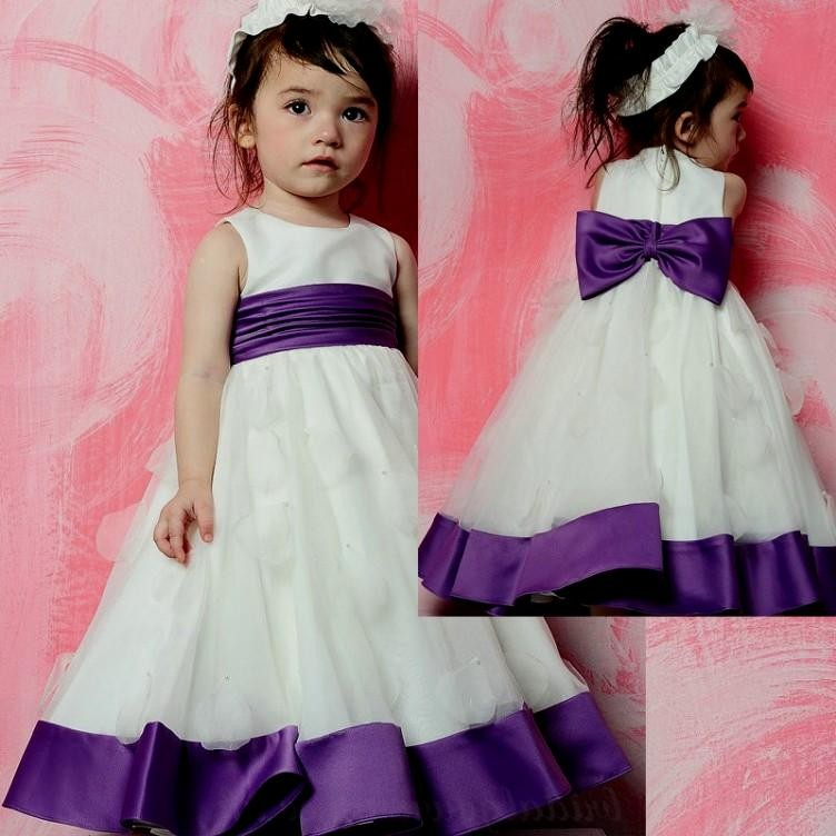 Free Shipping 2019 Round Neckline Sleeveless Pearls A Line White and Purple Satin   Flower     Girl     Dresses   With Bow And Sashes HU1054