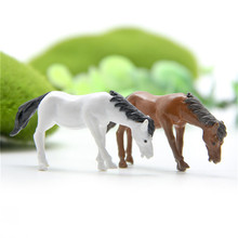 2pcs Minitature Horses for Decoration