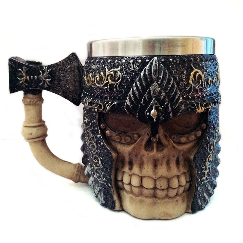 Personality 3D Stainless Steel Axe Skull Knight Handgrip Head Mugs Resin Viking Skull Warrior Coffee Beer Water Drinking Mug Cup