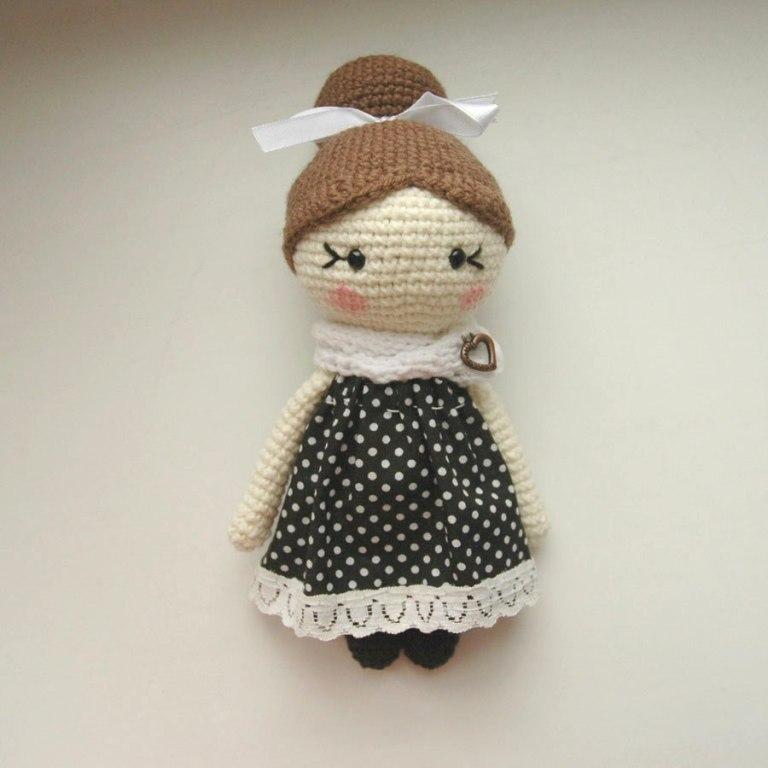 little-lady-doll-crochet-pattern-free