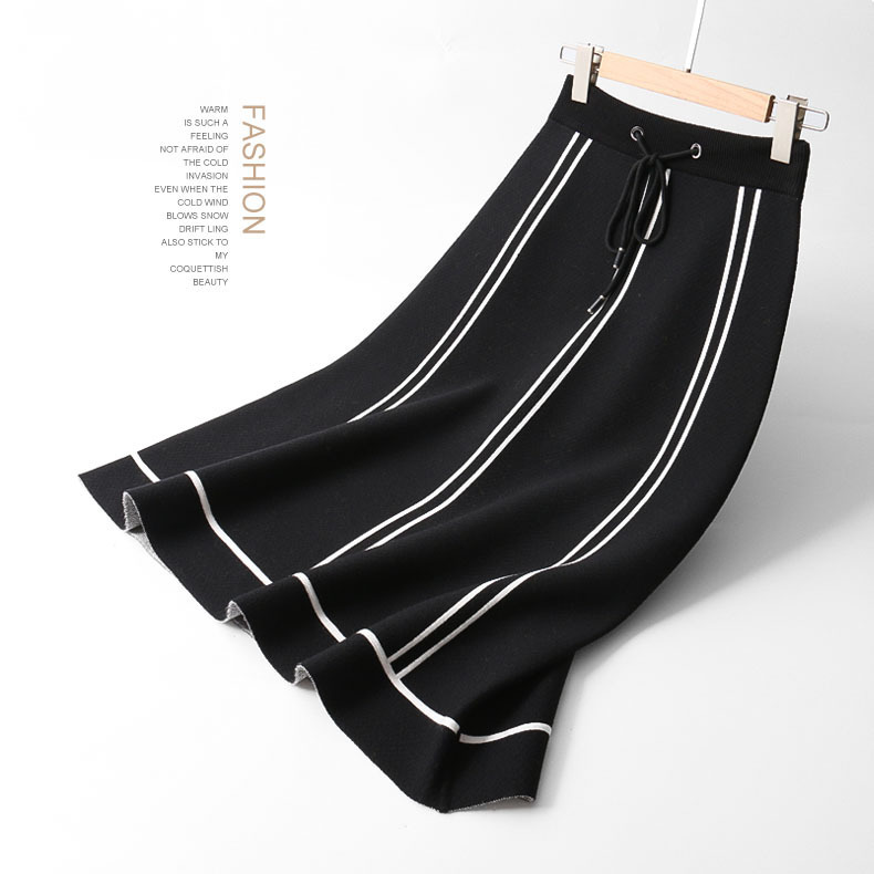 2018 Autumn And Winter New Pattern Half-body Black And White Stripe High Waist A Word In Thickening Ice Hemp Knitting 1900A